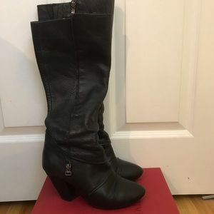 SoftMoc Black Soft Leather Heeled Boots